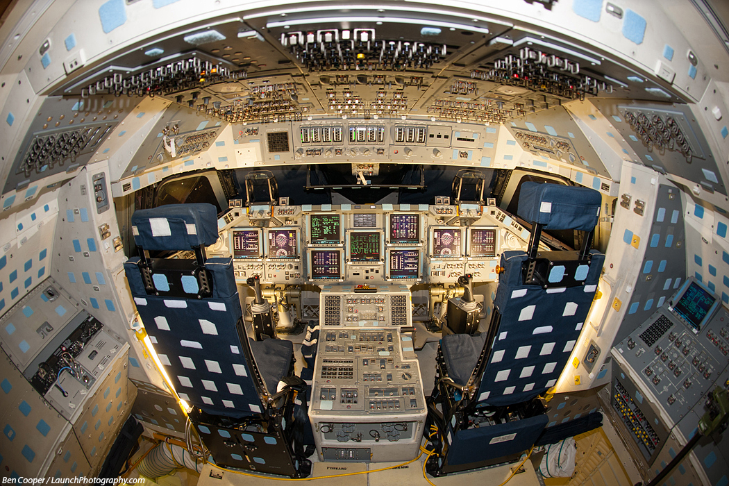 space shuttle flight deck - photo #19