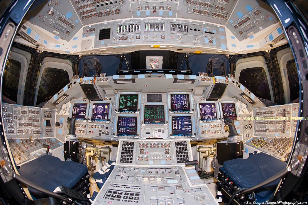 space shuttle flight deck - photo #14