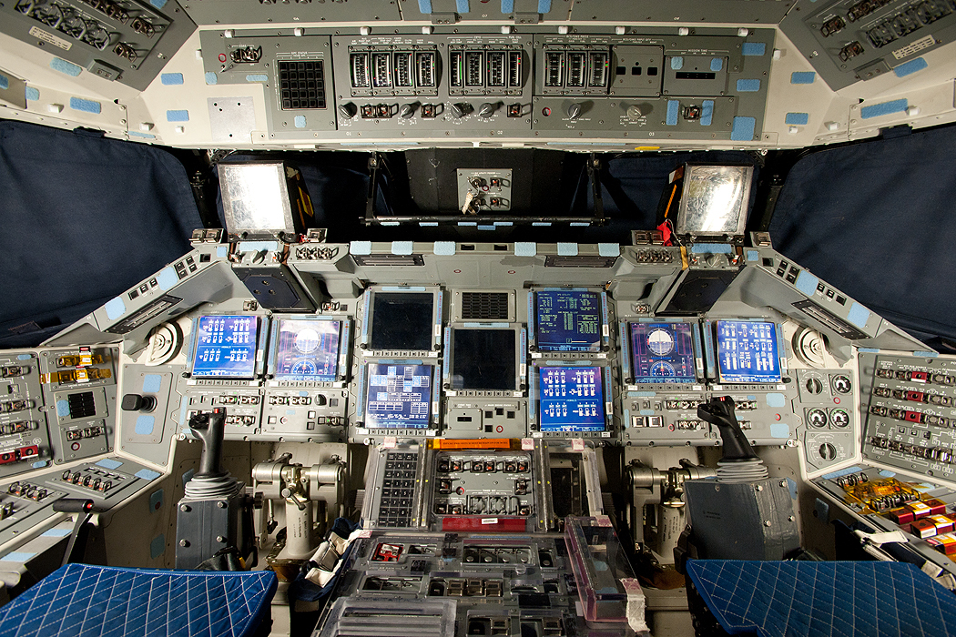 Spacecraft Flight Deck - Pics about space