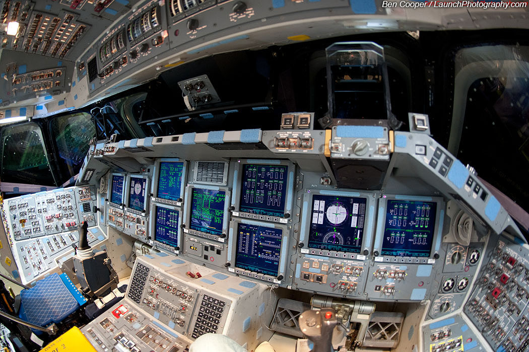space shuttle flight deck - photo #8
