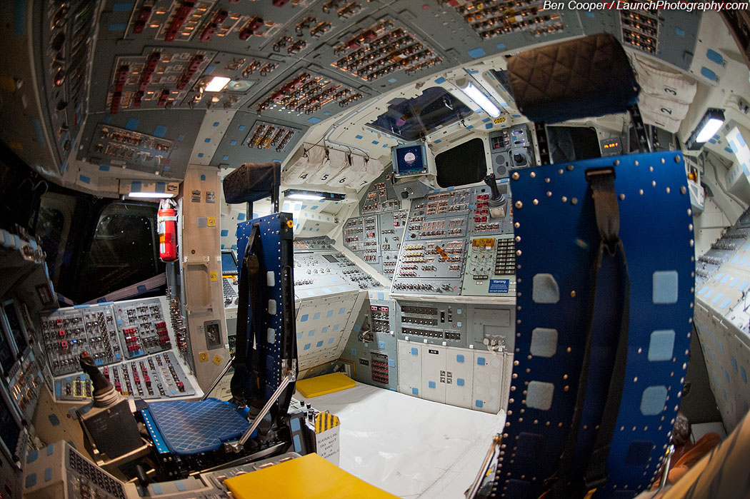 space shuttle flight deck - photo #11