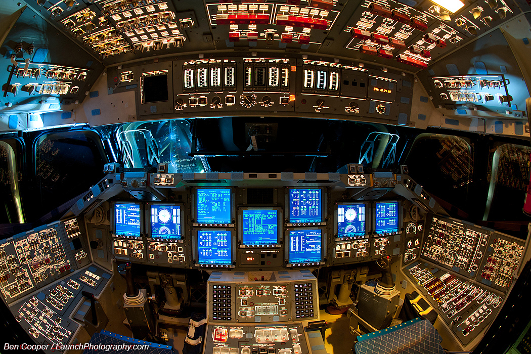 space shuttle flight deck - photo #25