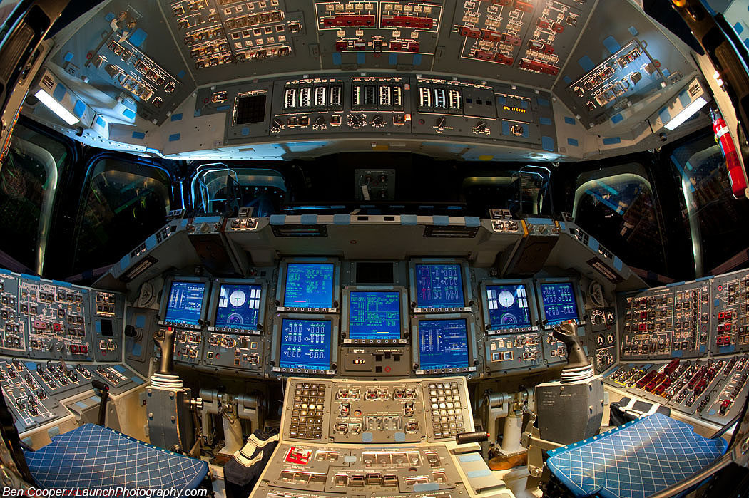 space shuttle flight deck - photo #7