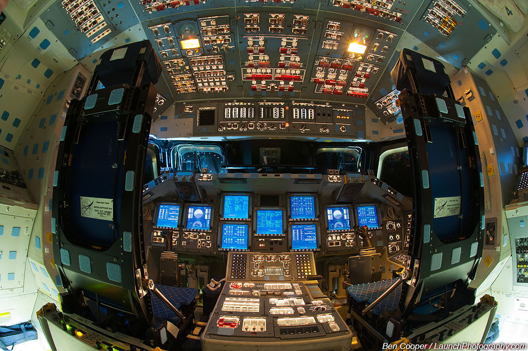 space shuttle flight deck - photo #12
