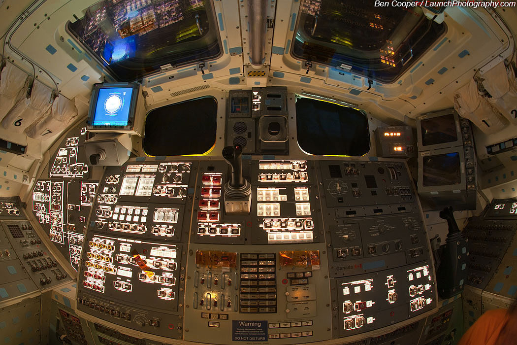space shuttle flight deck - photo #15