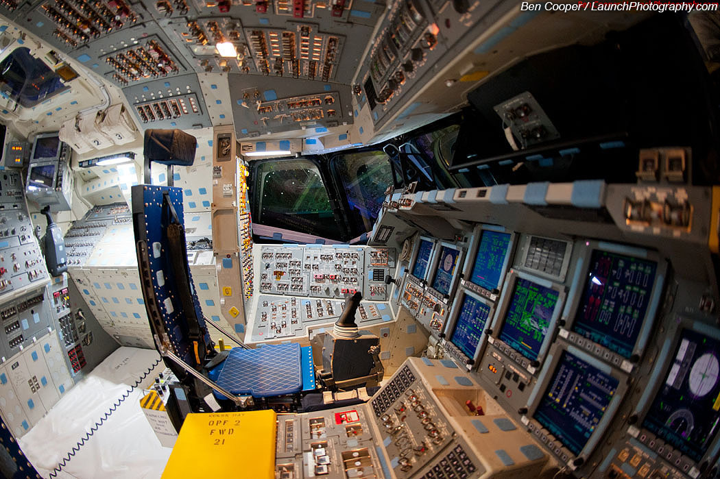 space shuttle flight deck - photo #6