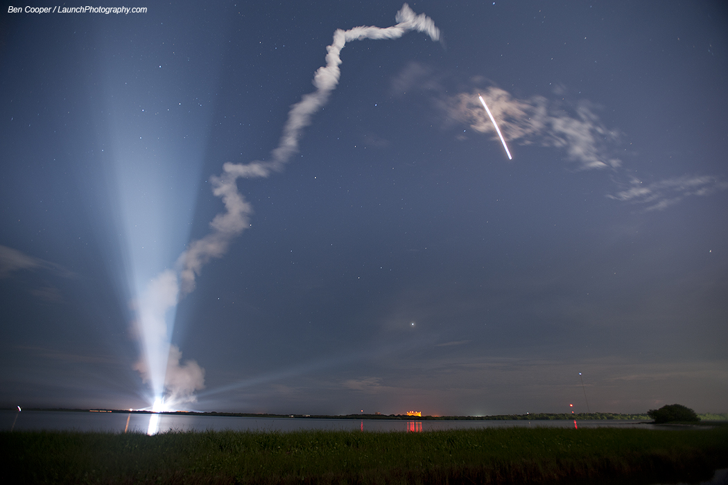 Delta 4 launches on moonlit night with GPS 2F-2